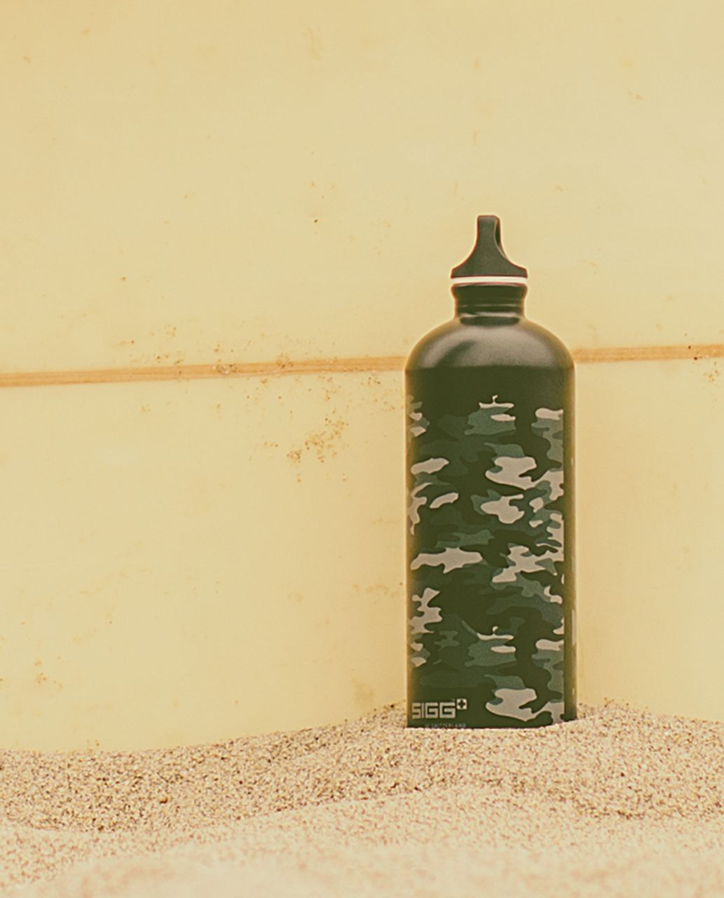 Lululemon Sigg 1L Water Bottle - Camo Deep Coal