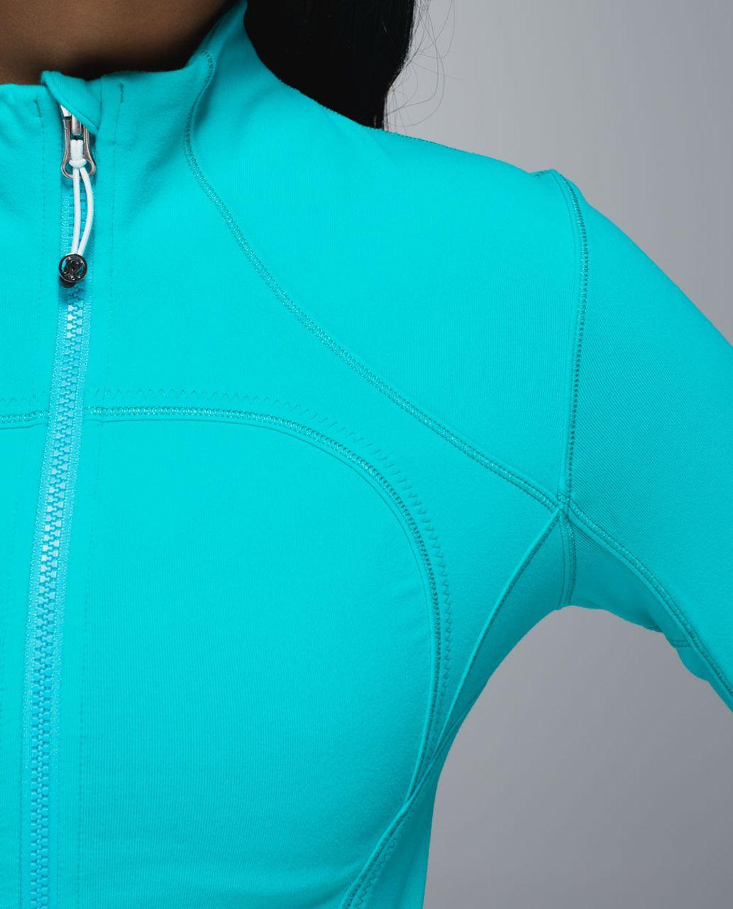 Lululemon Forme Jacket *Cuffins - Blue Tropics