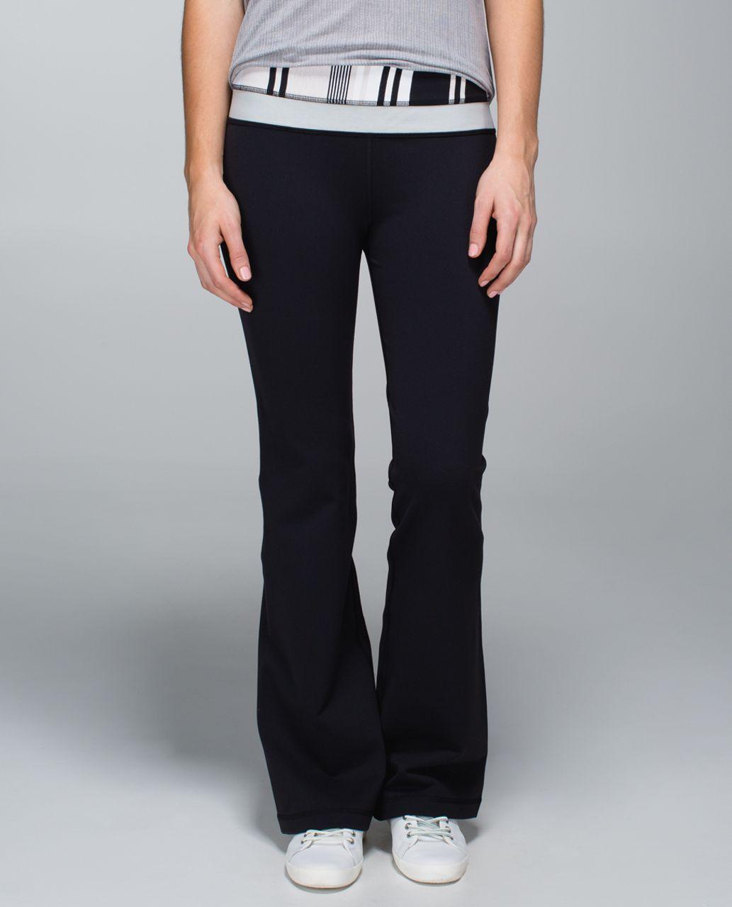 Lululemon Groove Pant *Full-On Luon (Regular) - Black / Groovy Stripe Static Wave Dune / Heathered Light Grey