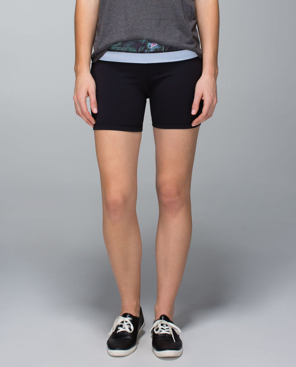 Lululemon Groove Short *Full-On Luon (Regular) - Black / Curious Jungle Multi / Cool Breeze