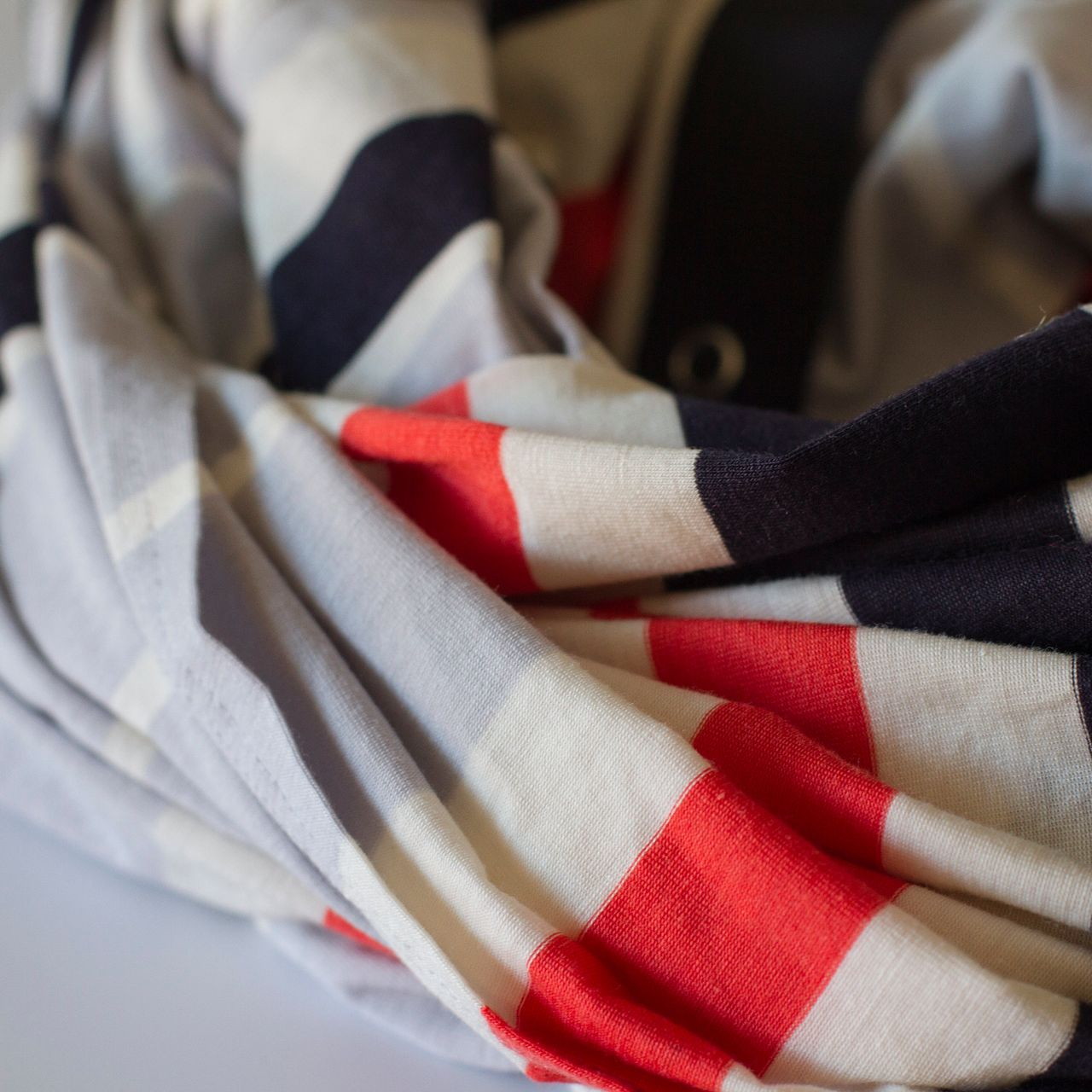 Lululemon Vinyasa Scarf *Vitasea - Beach Blanket Stripe Alarming Naval Blue