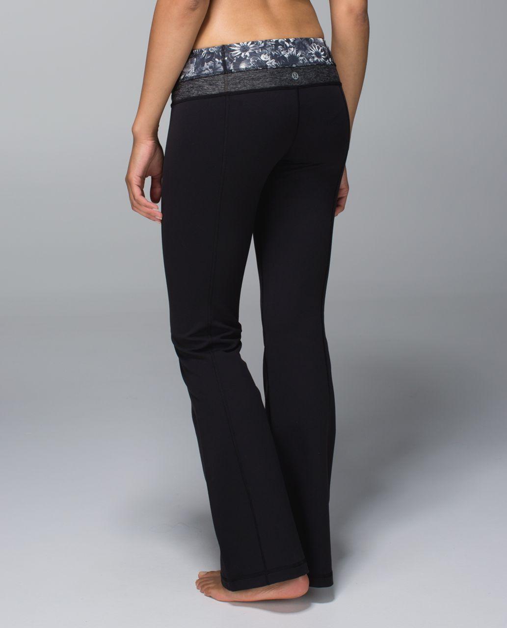 Lululemon Groove Pant *Full-On Luon (Regular) - Black / Flowabunga Black Angel Wing / Heathered Black