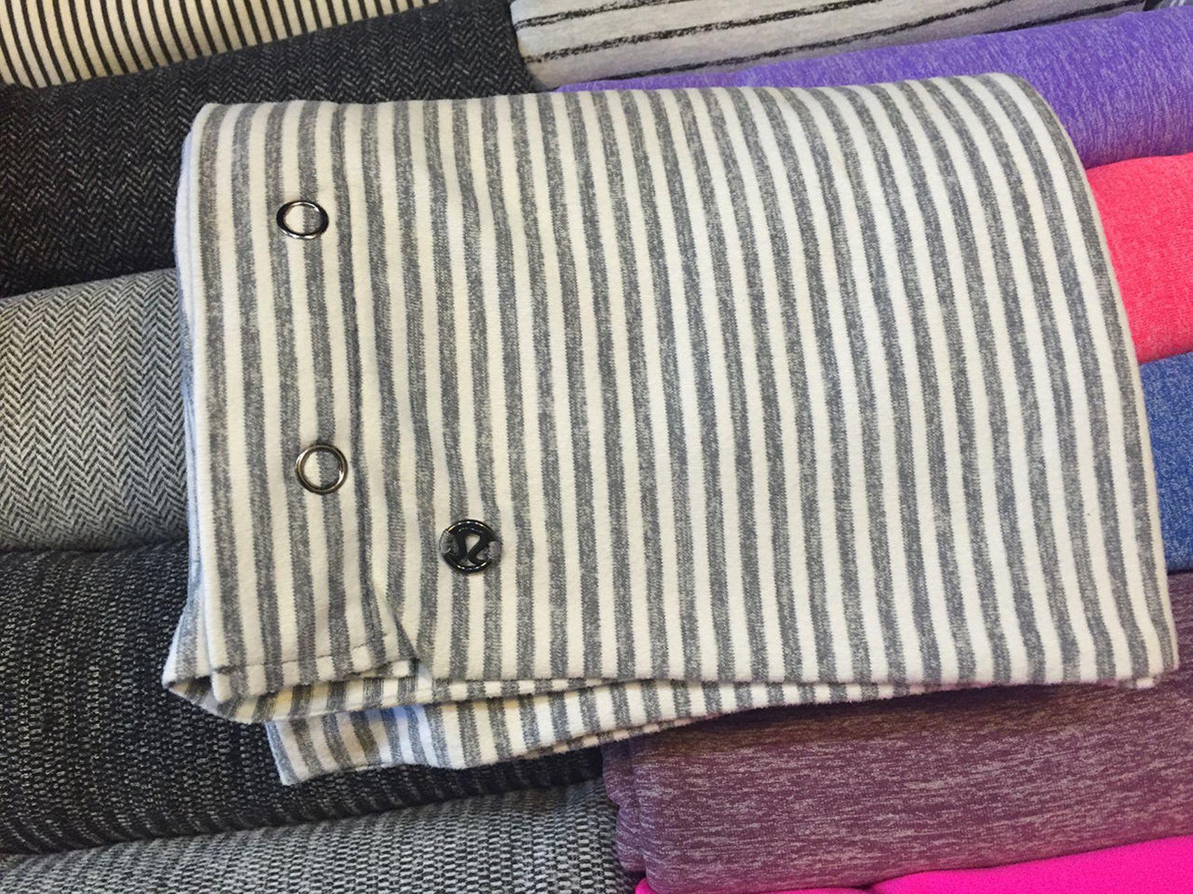 Lululemon Vinyasa Scarf - Blurred Grey