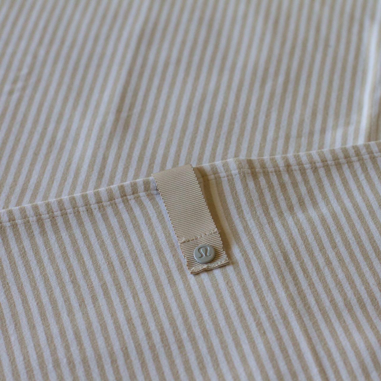 Lululemon Vinyasa Scarf *Rulu - Heathered Cashew / 1/8 Stripe Heathered Cashew White