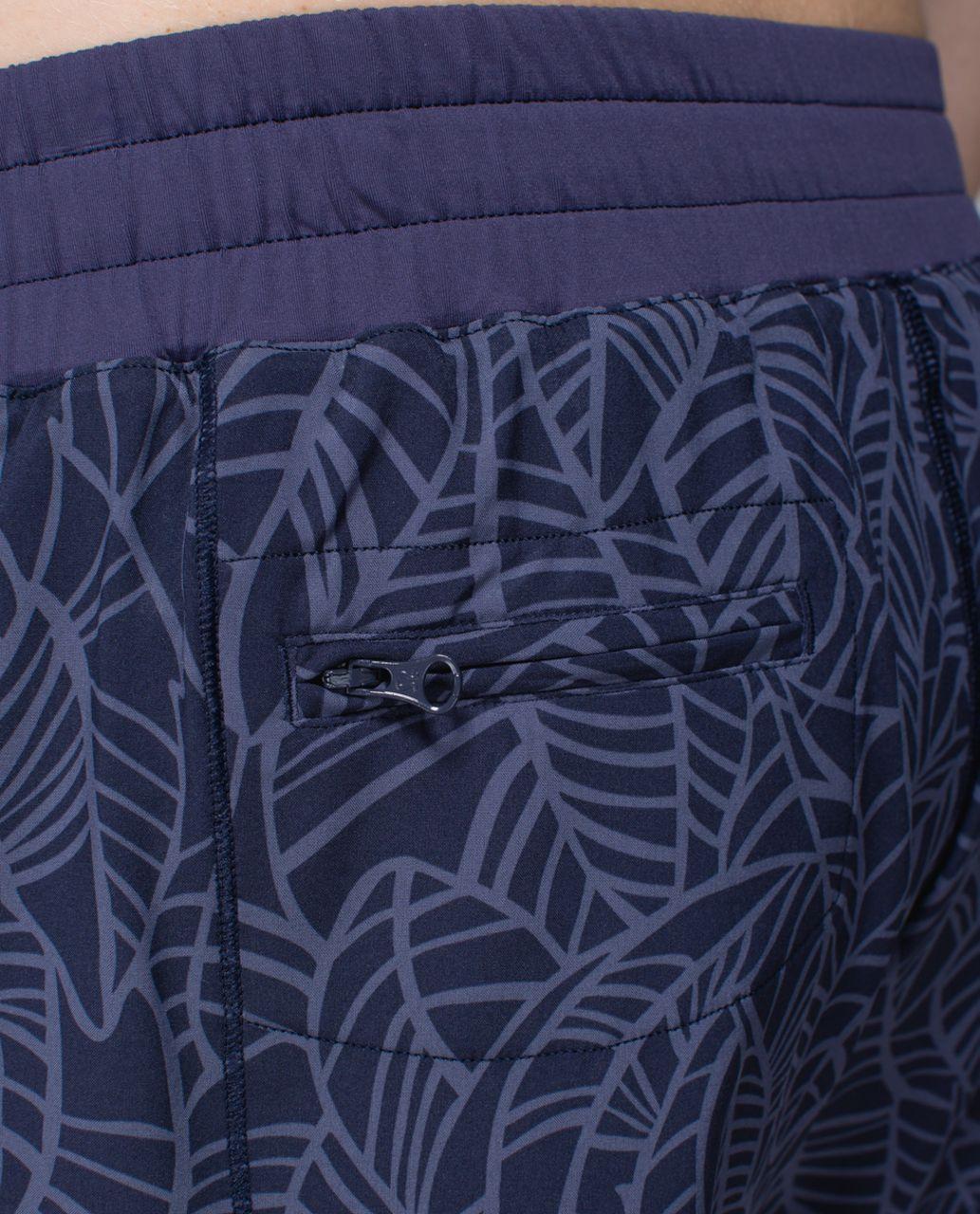 Lululemon Hotty Hot Short - Pretty Palm Cadet Greyvy / Cadet Blue