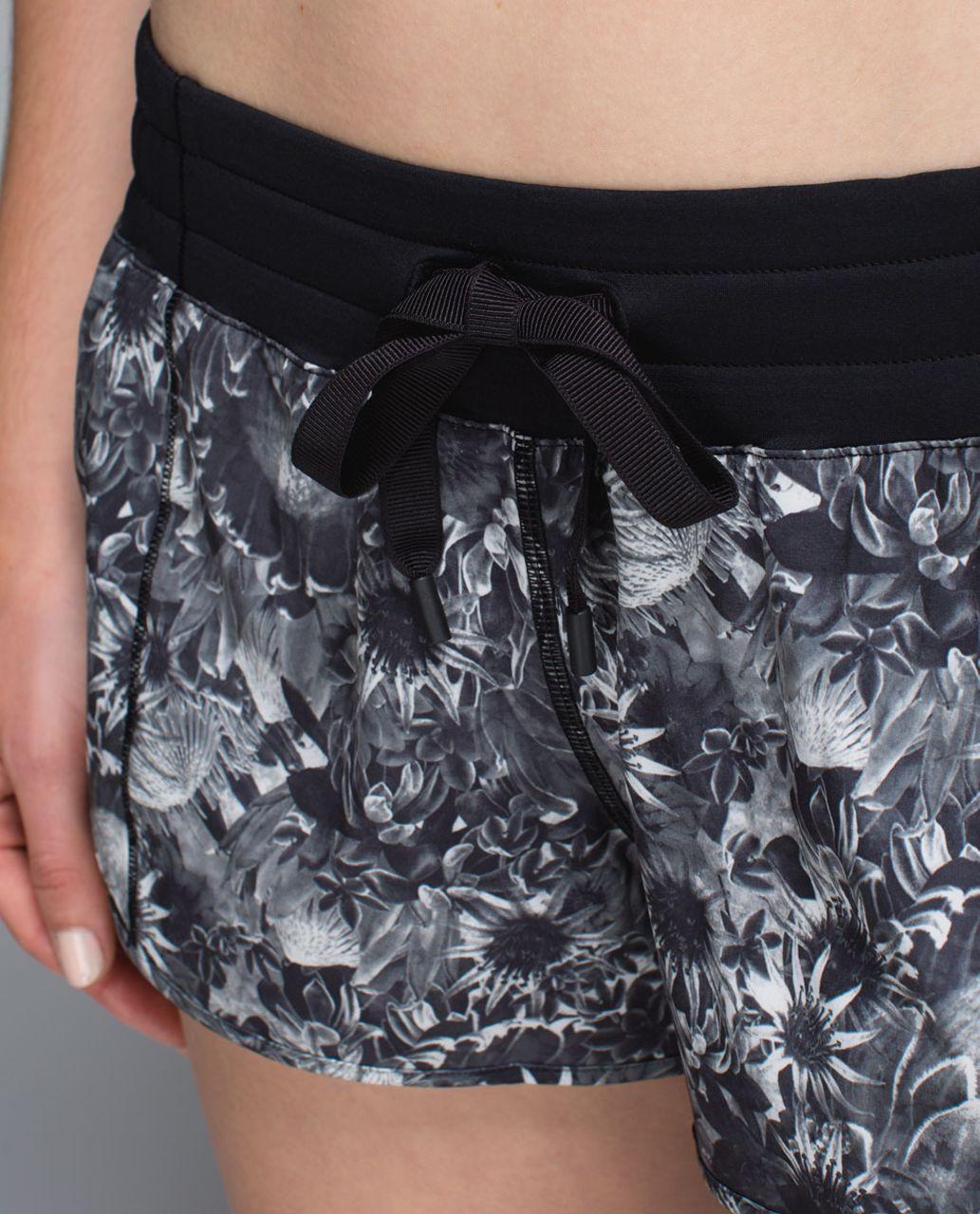 Lululemon Hotty Hot Short - Flowabunga Black Angel Wing / Black