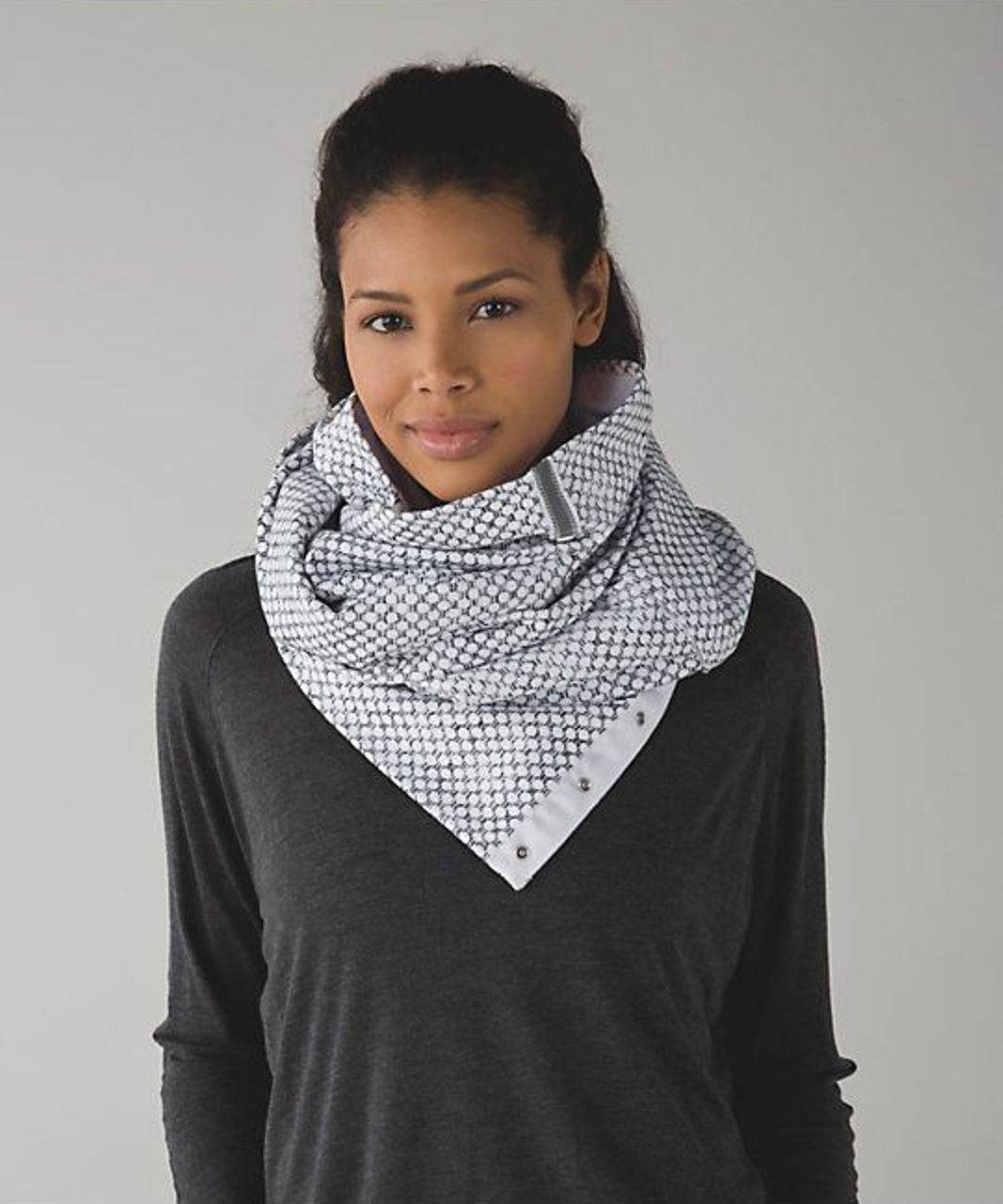 Lululemon Vinyasa Scarf *Fleece - Dottie Eyelet White Black / White