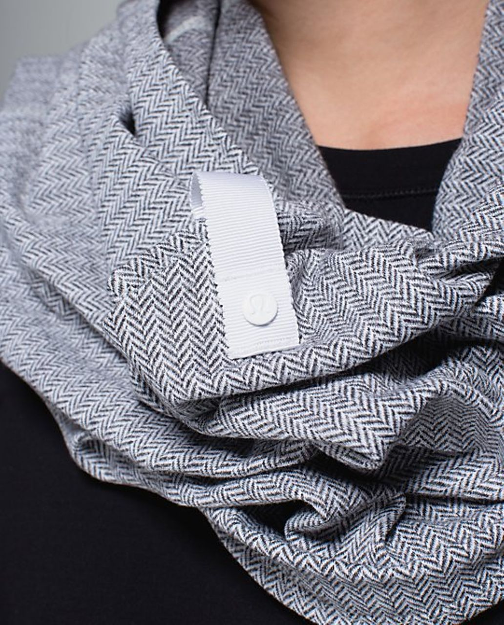 Lululemon Vinyasa Scarf - Ghost Herringbone (Second Release)