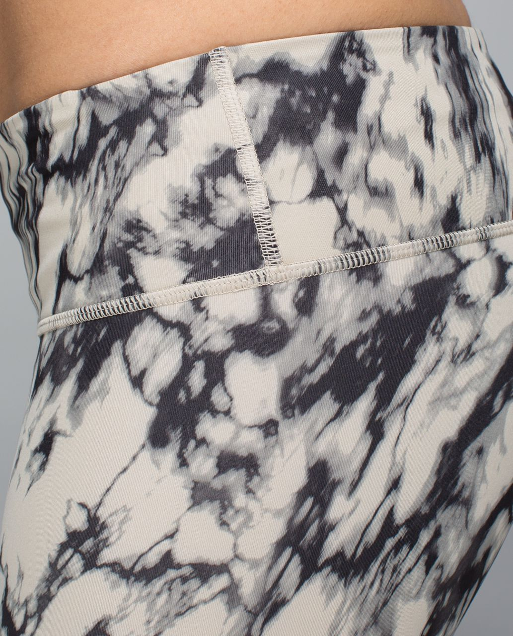 Lululemon Wunder Under Crop *Full-On Luxtreme (Print) - Great Granite Black Mojave Tan