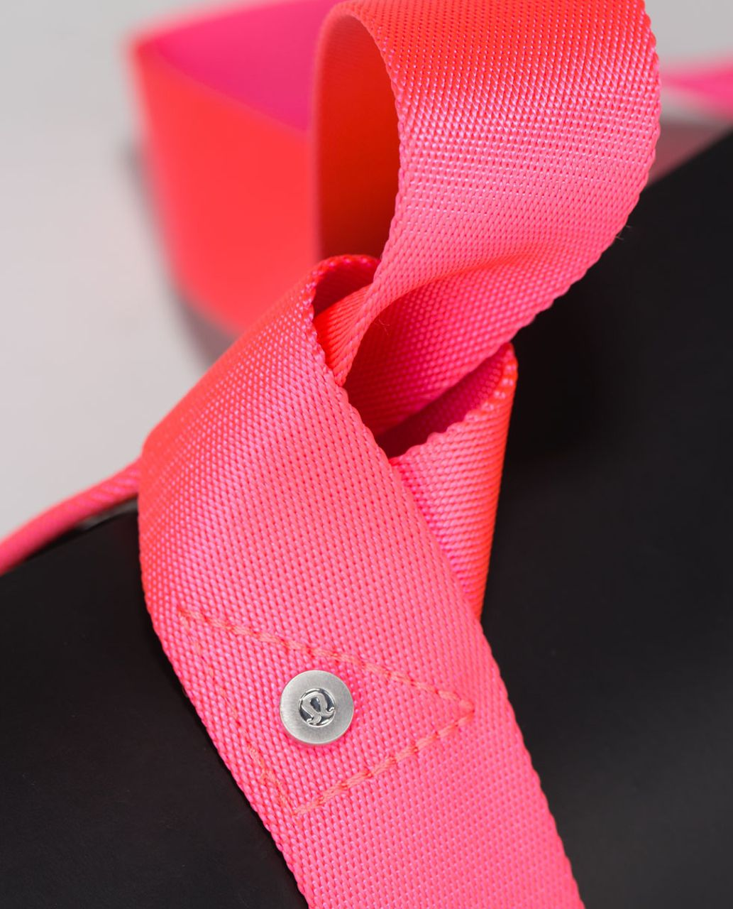 Lululemon Loop It Up Mat Strap - Neon Pink