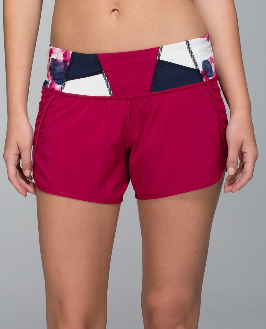 Lululemon Run Times Short *4-way stretch - Bumble Berry / Fa14 Quilt 20