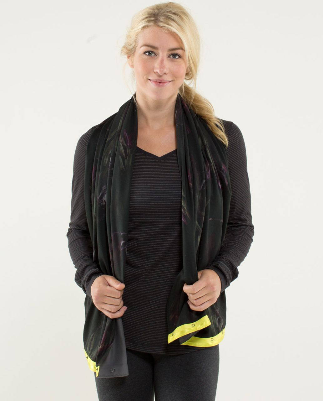 Lululemon Vinyasa Scarf *Luon Light - Midnight Iris Multi