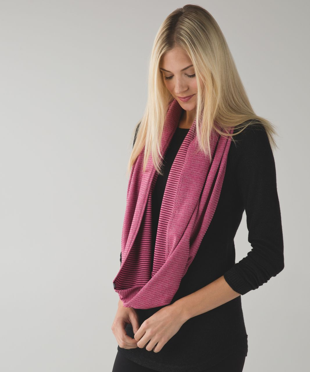 Lululemon Vinyasa Scarf *Rulu - Mini Check Pique Wine Berry Heathered Bon Bon