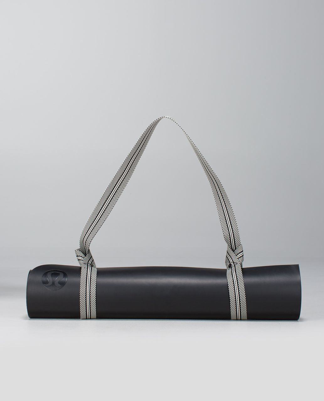 Lululemon Loop It Up Mat Strap *Reflective - Black / Ghost