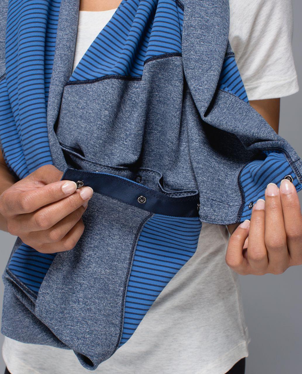 Lululemon Vinyasa Scarf *Quilt - Hyper Stripe Inkwell Rugged Blue / Heathered Inkwell