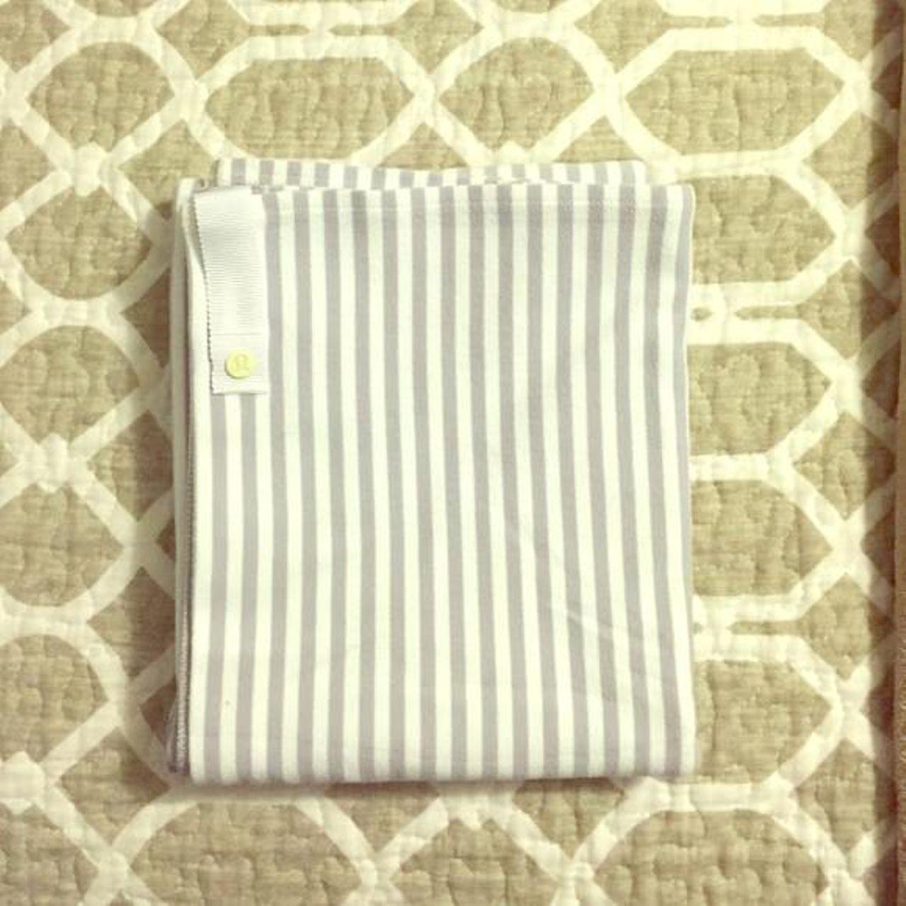 Lululemon Vinyasa Scarf - Silver Spoon Stripe