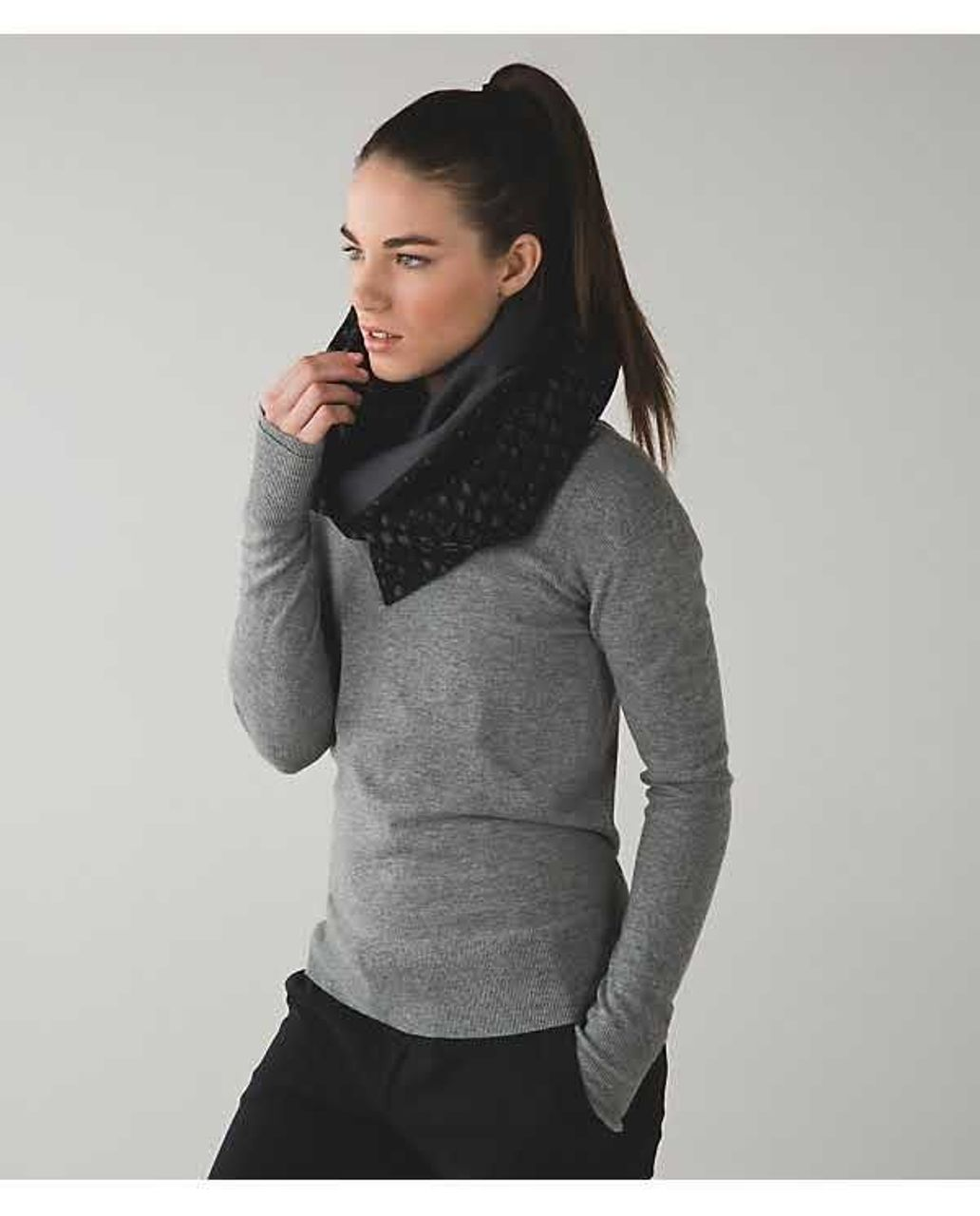 Lululemon Vinyasa Scarf *Fleece - Simply Lace Play Dark Slate Black / Dark Slate