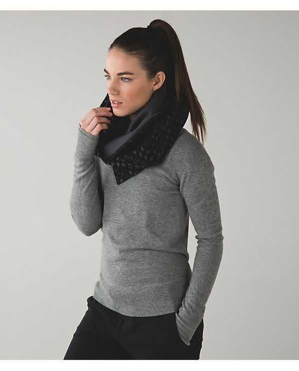 Lululemon Vinyasa Scarf *Fleece - Simply Lace Play Dark Slate Black / Dark Slate