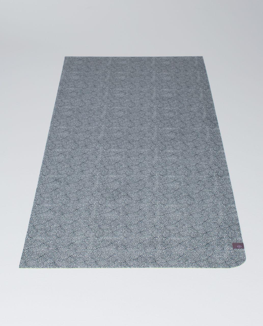 42ba8ab526 Lululemon The Hot (Towel) Mat - Plush Petal Black Ghost / Almost Pear