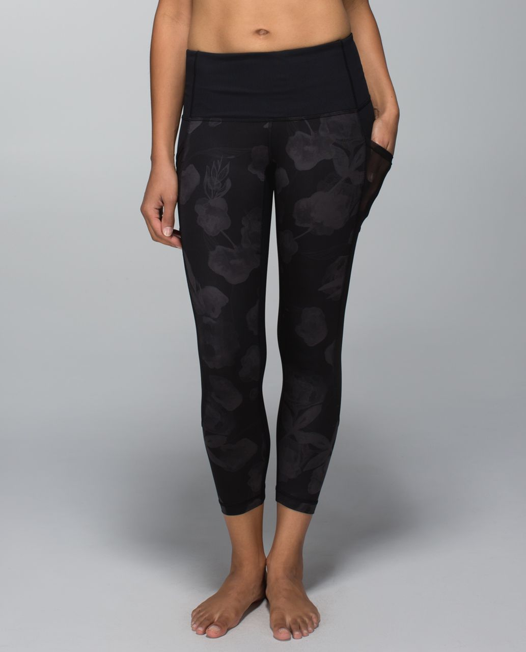 feebe557dab29 Lululemon Seek The Heat Crop - Inky Floral Soot Black / Black - lulu  fanatics