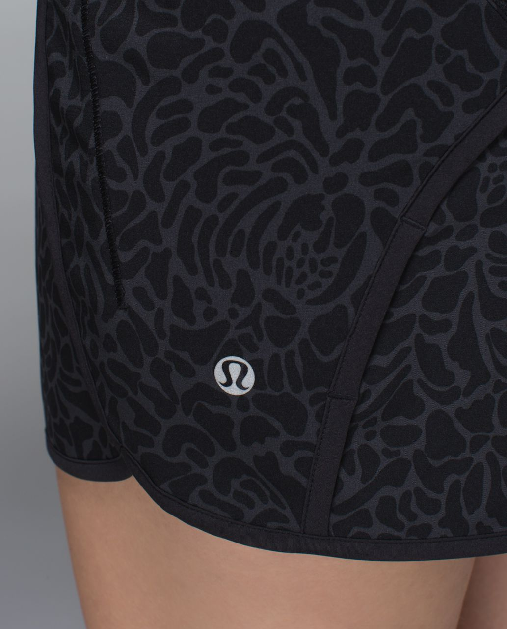 Lululemon Run Times Short *4-way Stretch - Petal Camo Printed Black Deep Coal / Black