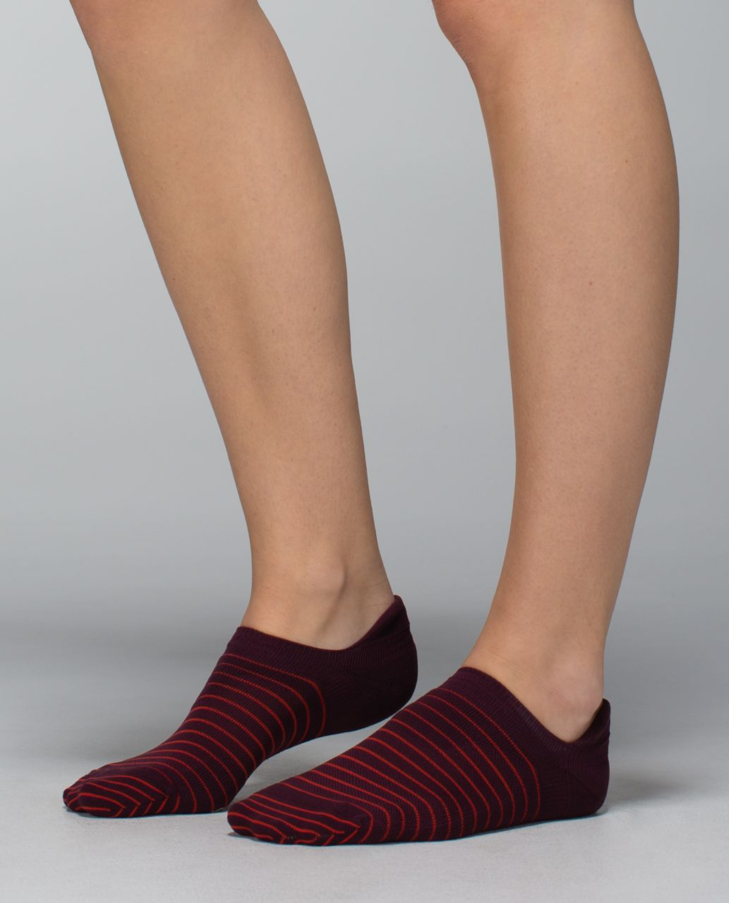 Lululemon Women's Ultimate No Show Run Sock *Ergo Toes - 2x8 Bordeaux Drama