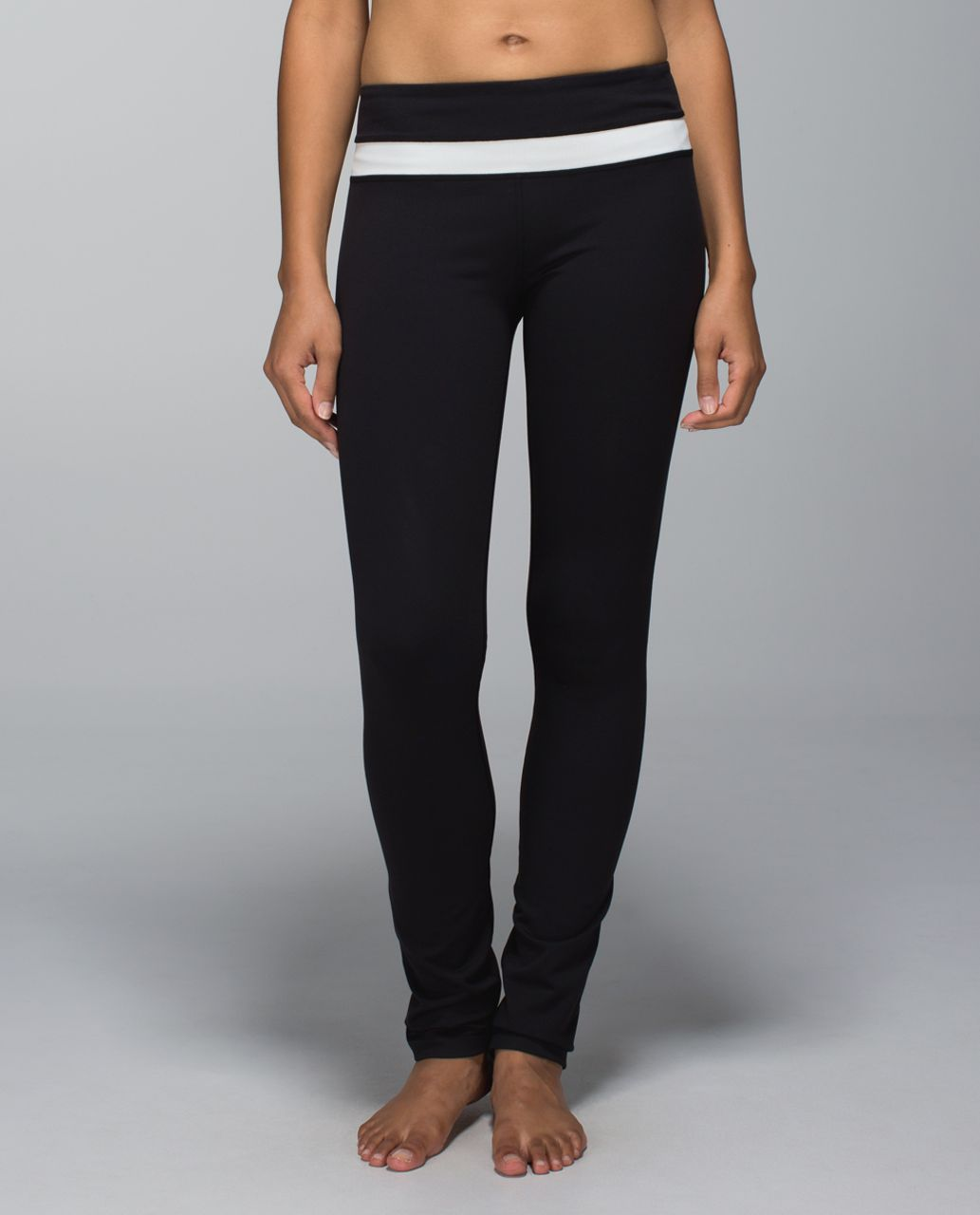 Lululemon Skinny Groove Pant *Full-On Luon - Black / Ghost