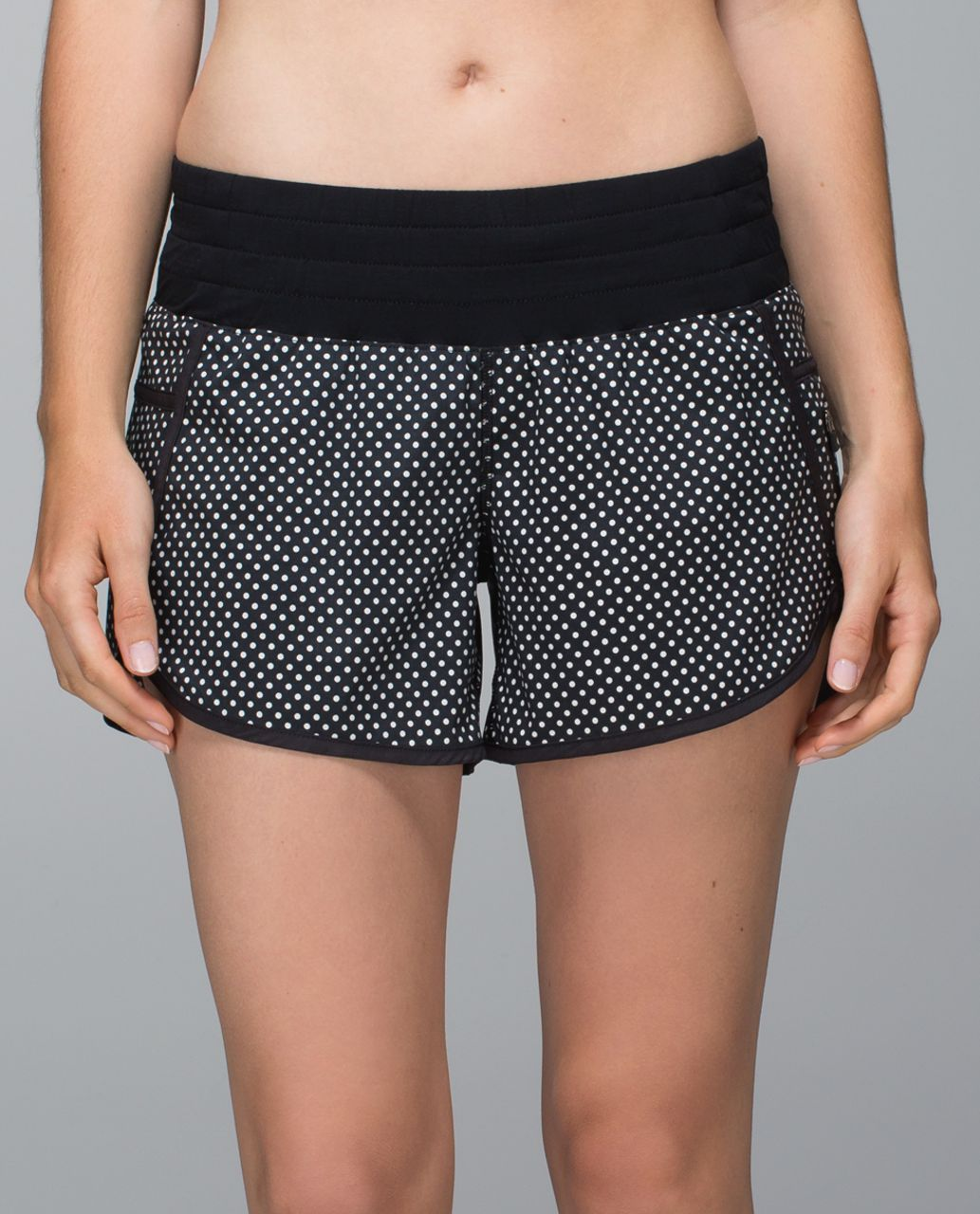 Lululemon Tracker Short II *2-way Stretch - Biggy Dot Printed Black Ghost / Black