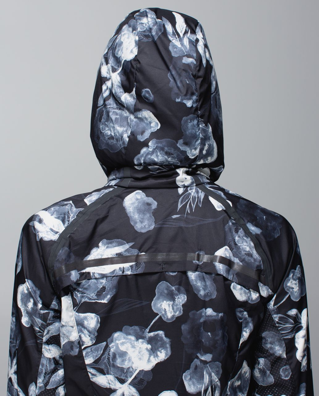 Lululemon Miss Misty Pullover - Inky Floral Black Ghost