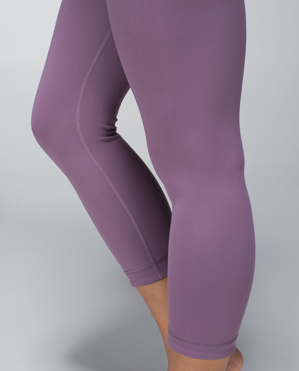 Lululemon Wunder Under Crop (Reversible) - Purple Fog / Black