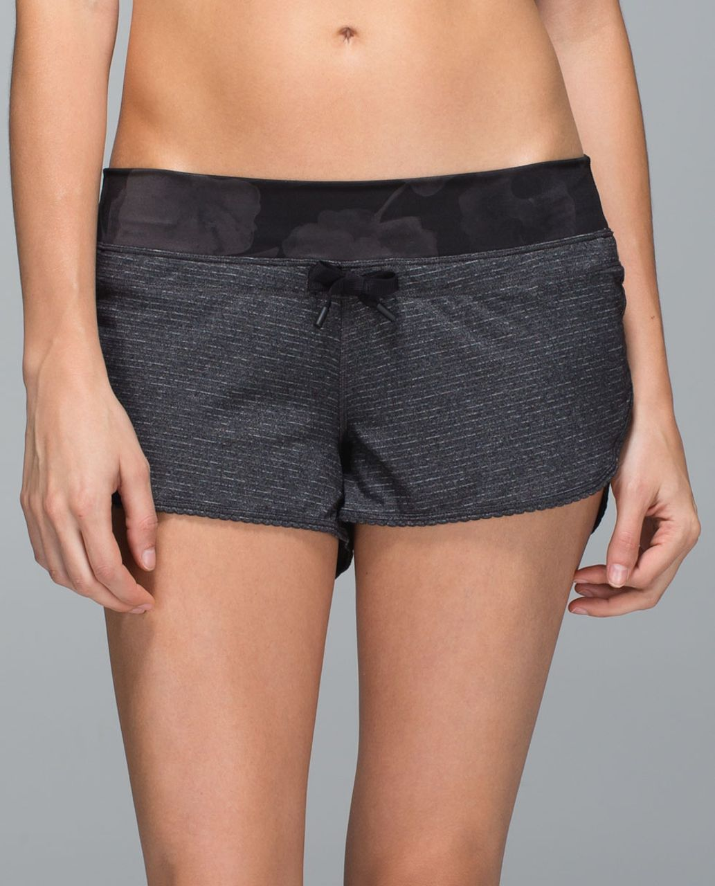 Lululemon Bhakti Yoga Short - Heathered Black / Inky Floral Soot Black