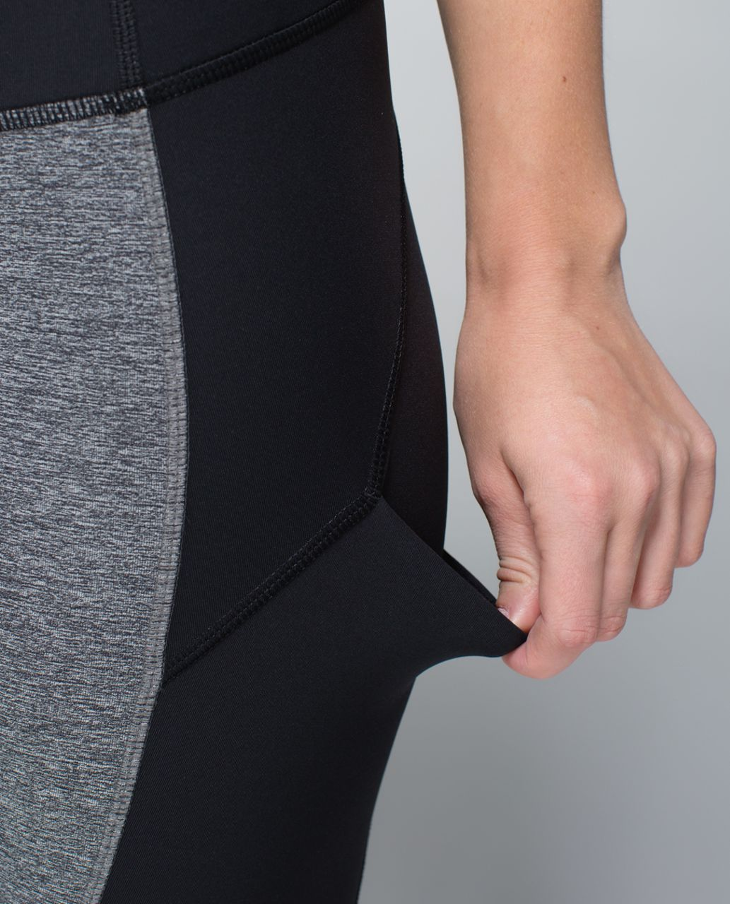 Lululemon Hop To It Crop *Full-On Luxtreme - Black /  Heathered Black