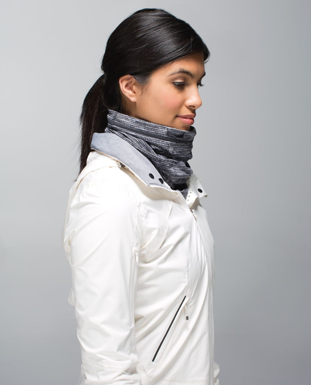 Lululemon Run With Me Neck Warmer - Black