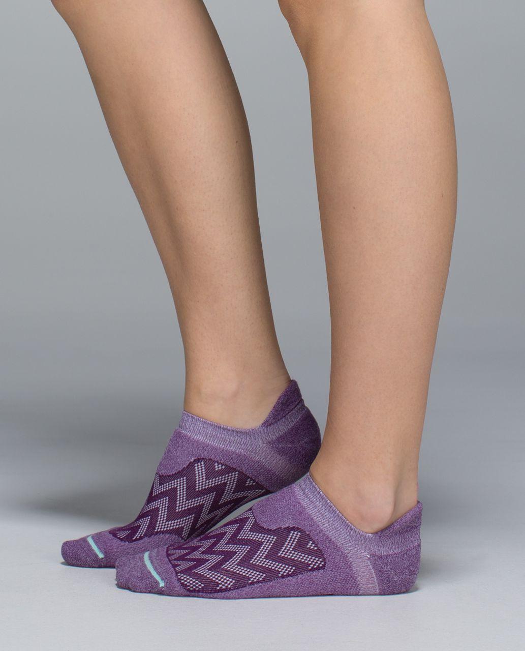 Lululemon Women's Ultimate No Show Run Sock - Chevron Mesh Berry Yum Yum