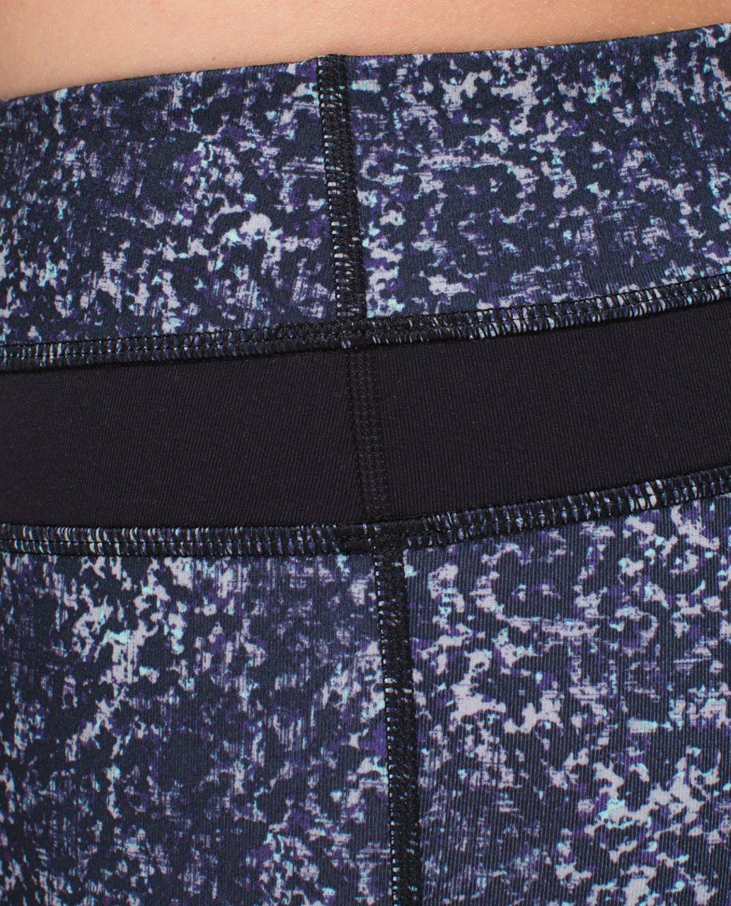 Lululemon Skinny Groove Pant *Full-On Luon - Rocky Road Sand Dune Toothpaste / Black