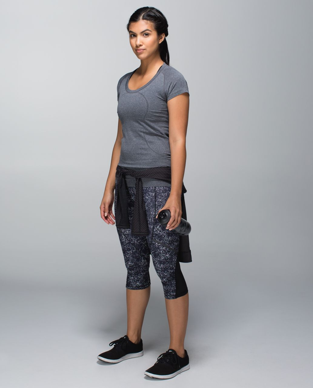 Lululemon Hop To It Crop *Full-On Luxtreme - Rocky Road Sand Dune Ground / Black