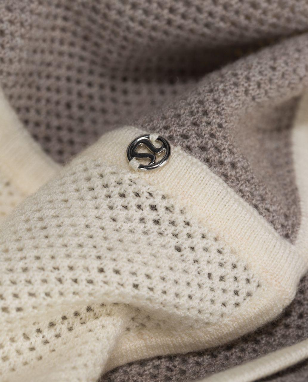 Lululemon Heart Opener Scarf *Wool - Heathered Storm Grey / Ghost