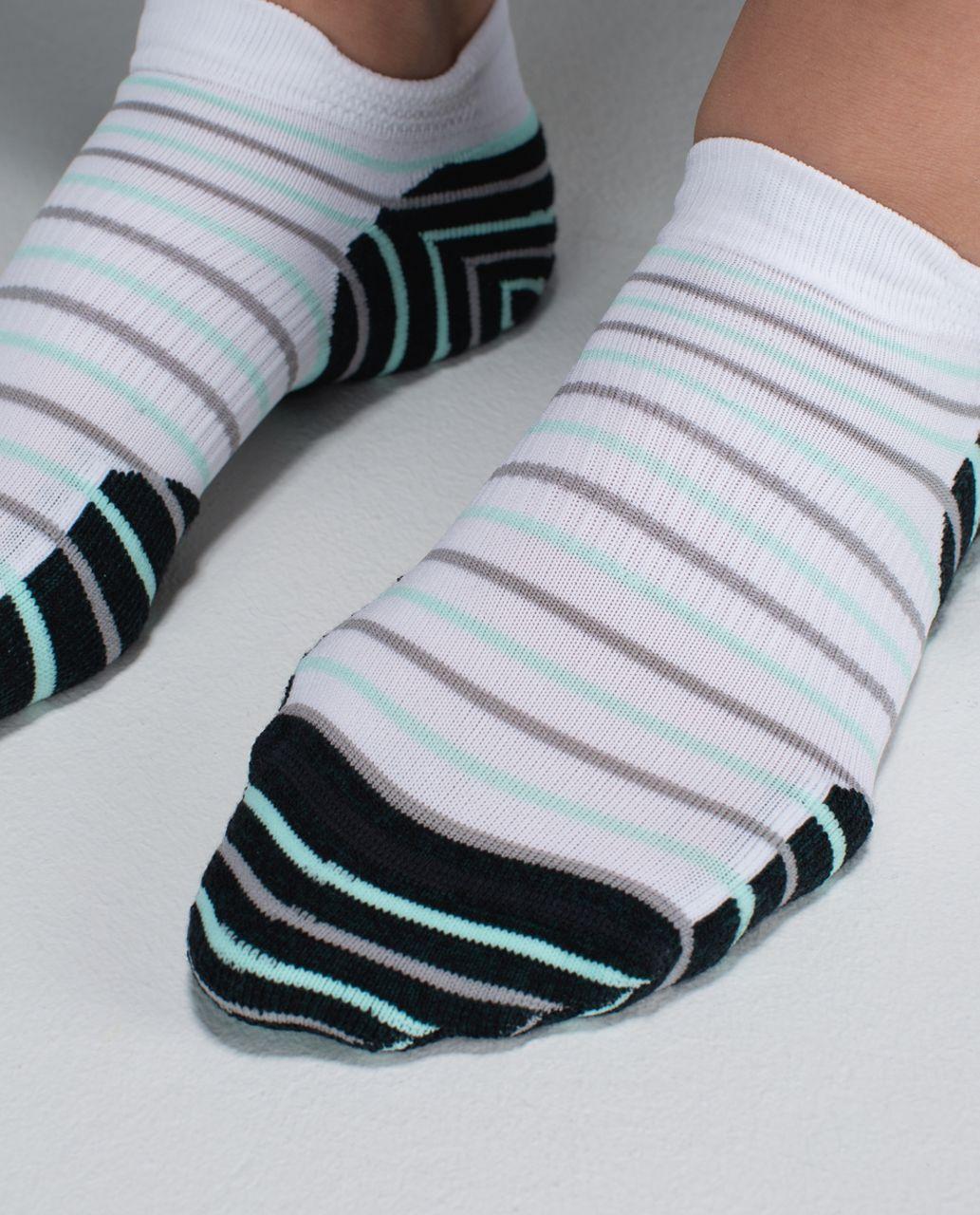 Lululemon Women's Ultimate Padded Run Sock - 4x10 Stripe Fuel Green