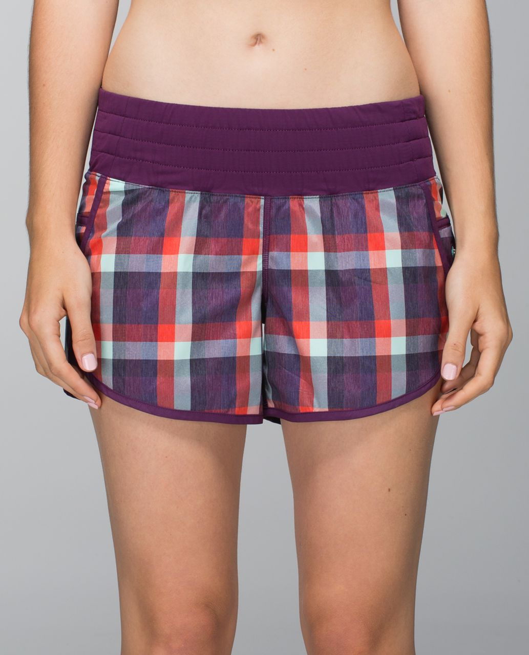 Lululemon Tracker Short II *2-way Stretch - Wheezy Check Multi Heathered Berry Yum Yum / Berry Yum Yum