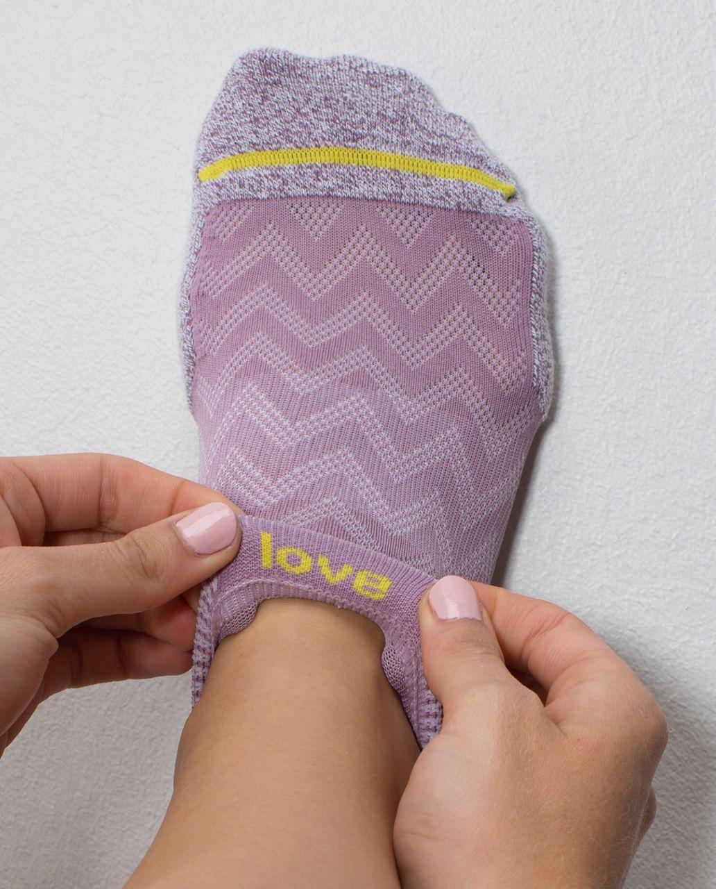 Lululemon Women's Ultimate Padded Run Sock - Chevron Mesh Mauvelous