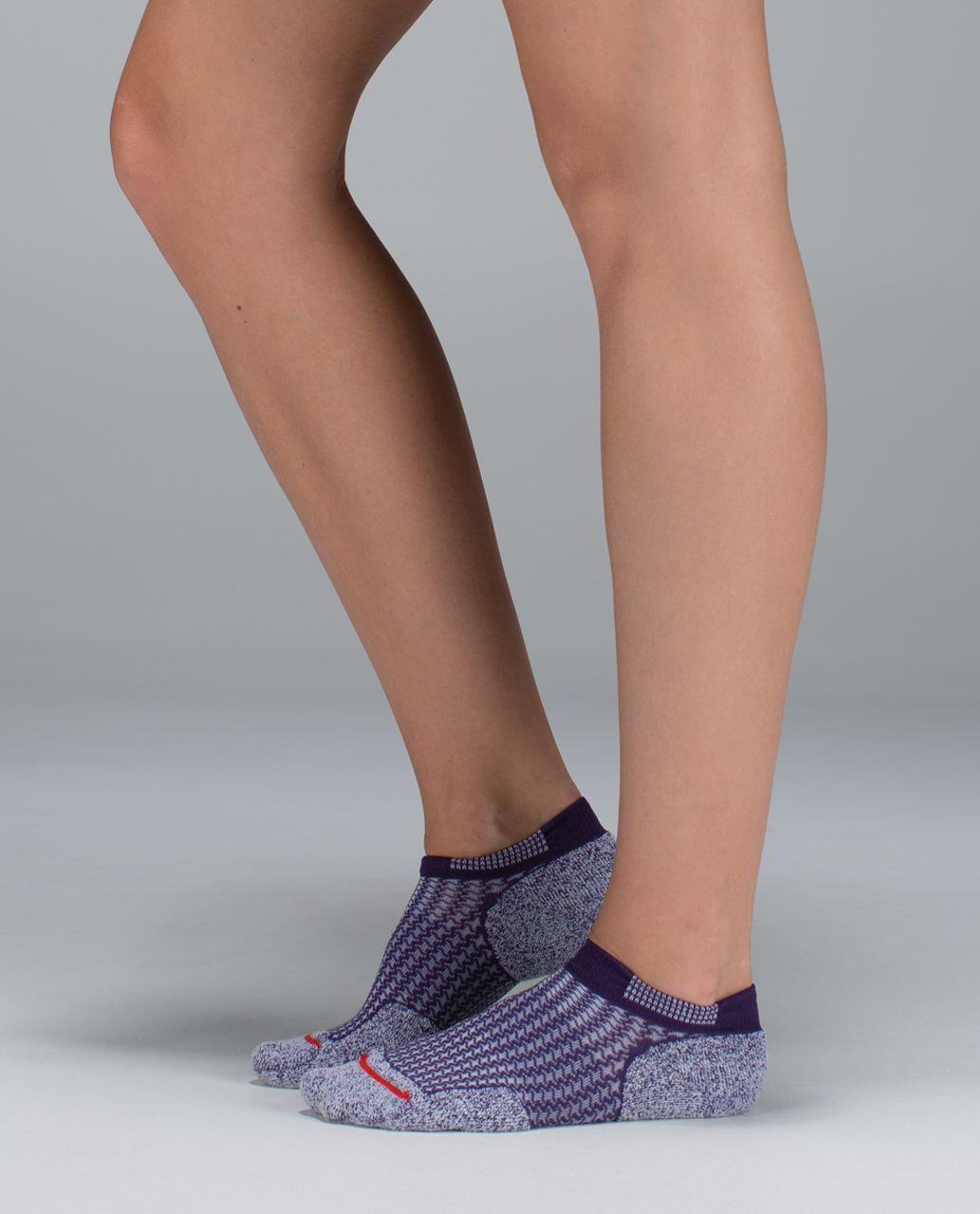 Lululemon Women's Ultimate Padded Run Sock - Houndstooth Going Grape