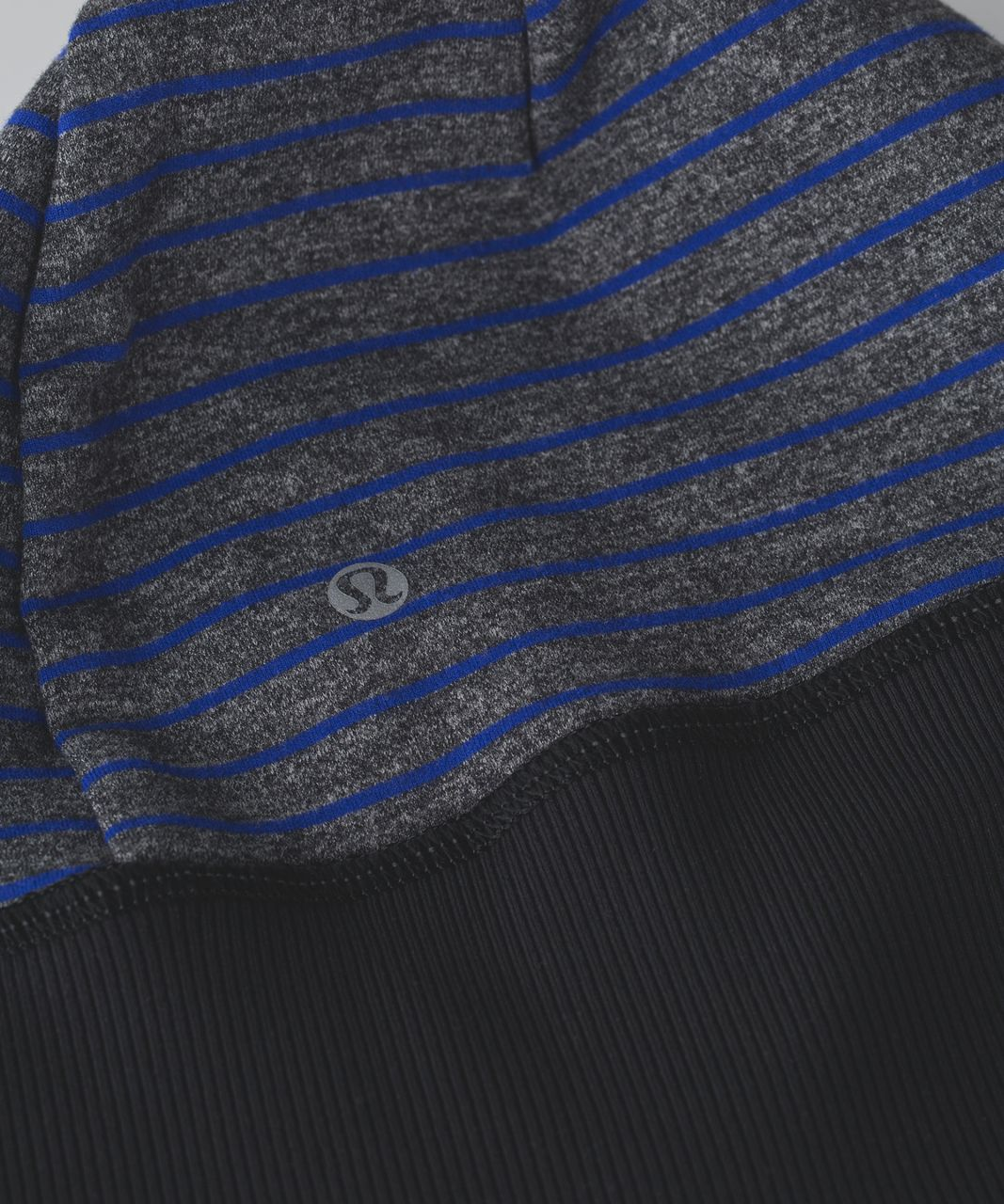 Lululemon Run With Me Toque - Parallel Stripe Pigment Blue Heathered Black / Heathered Black / Black