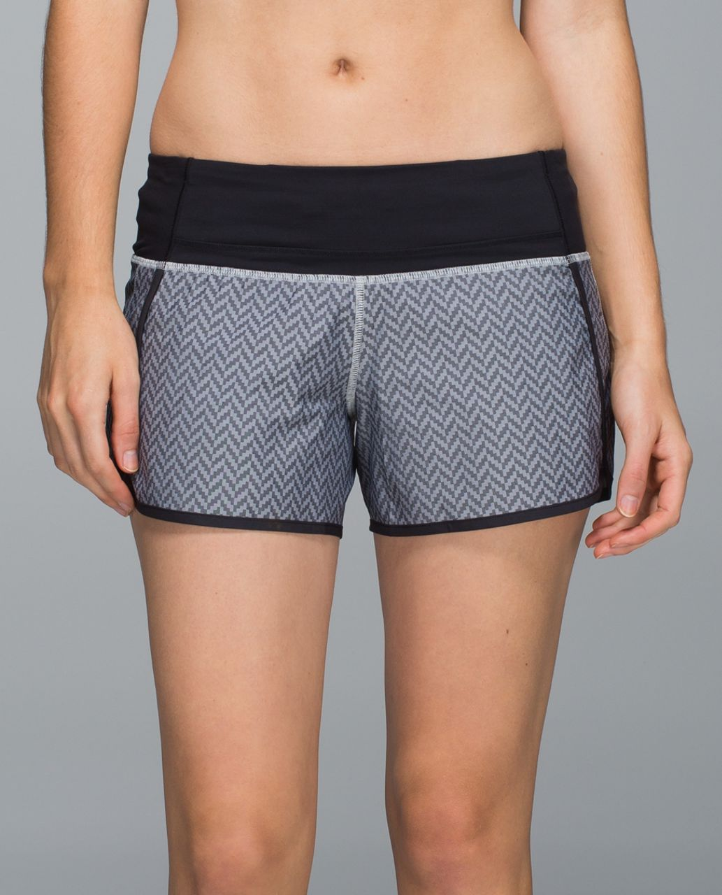 Lululemon Run Times Short *2-way Stretch - Giant Herringbone Swift Black White / Black
