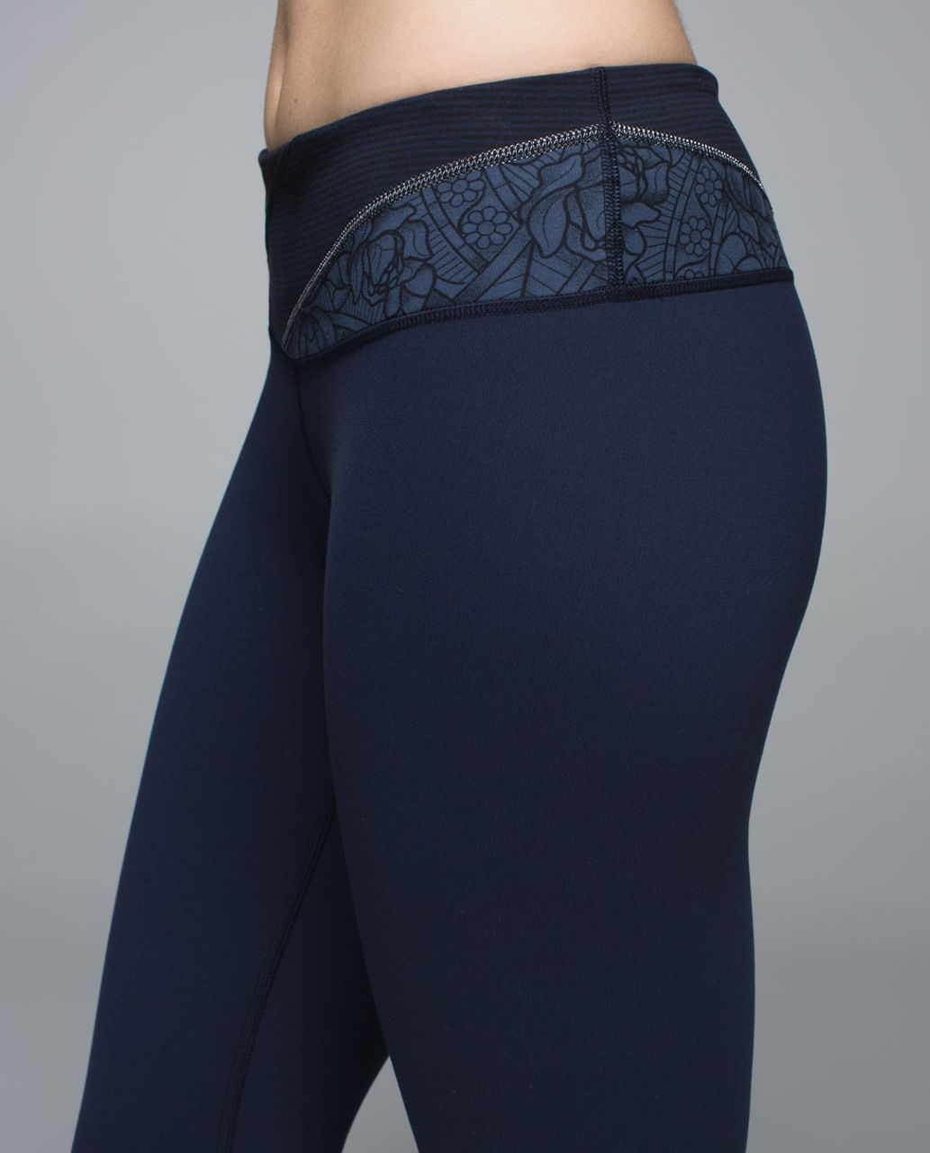 Lululemon Wunder Under Pant *Full-On Luon - Inkwell / Wi14 Quilt 1