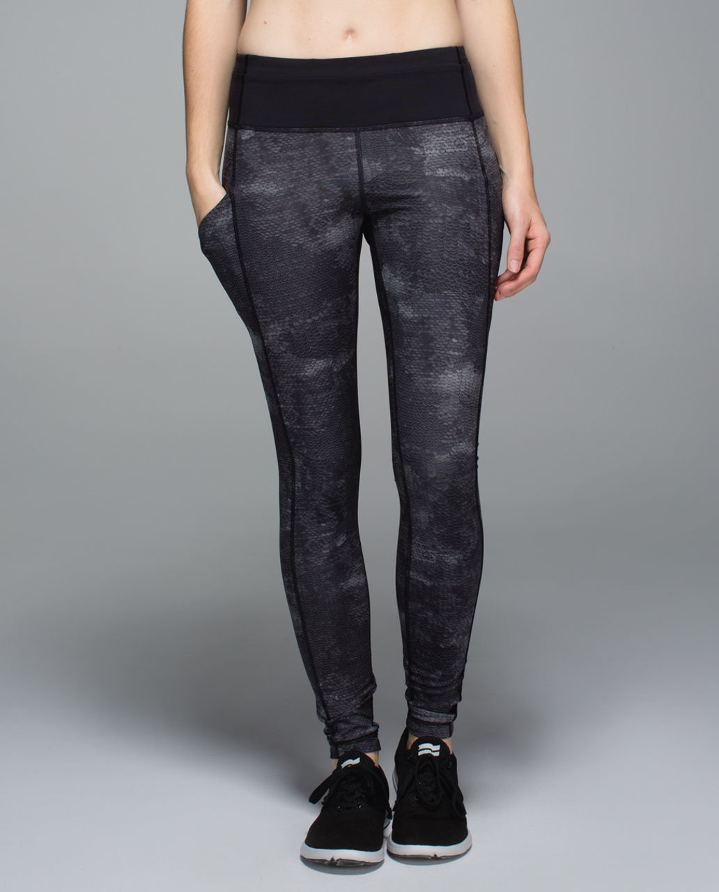 Lululemon Speed Tight II *Full-On Luxtreme - Sequin Snake Slate Black / Black