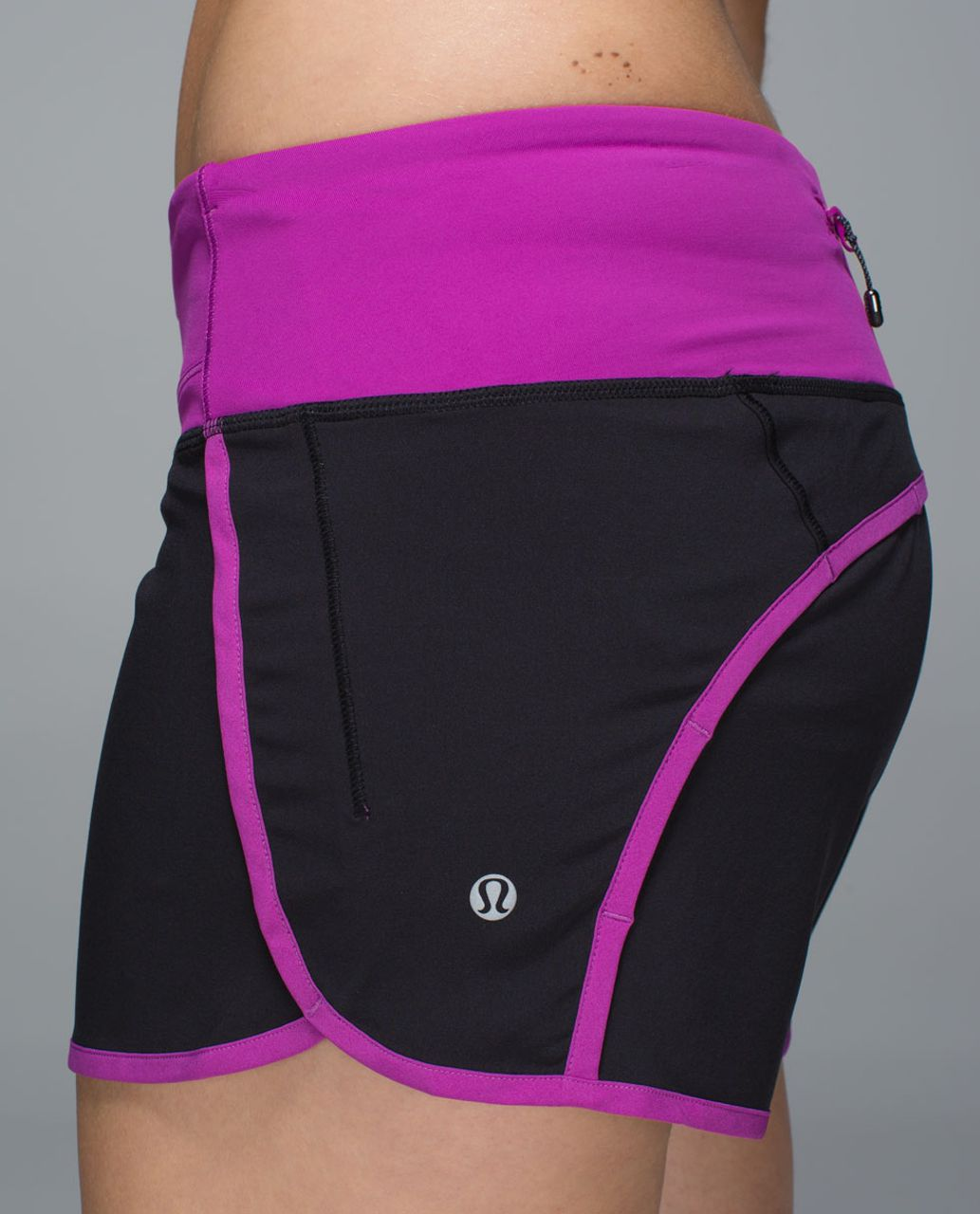 Lululemon Run Times Short *4-way Stretch - Black /  Ultra Violet