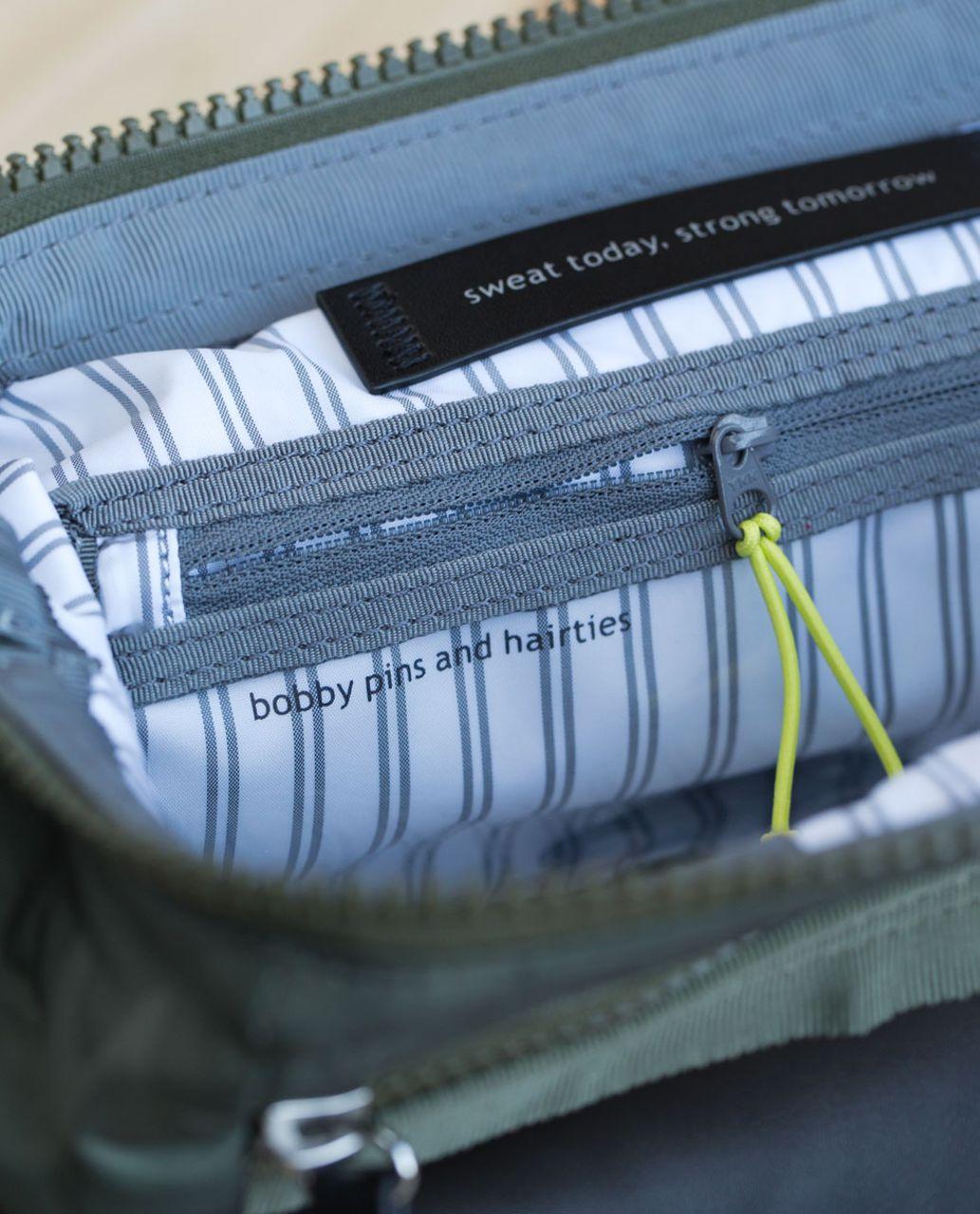 Lululemon Mind & Body Kit - Savasana Camo 20cm Fatigue Green / Black