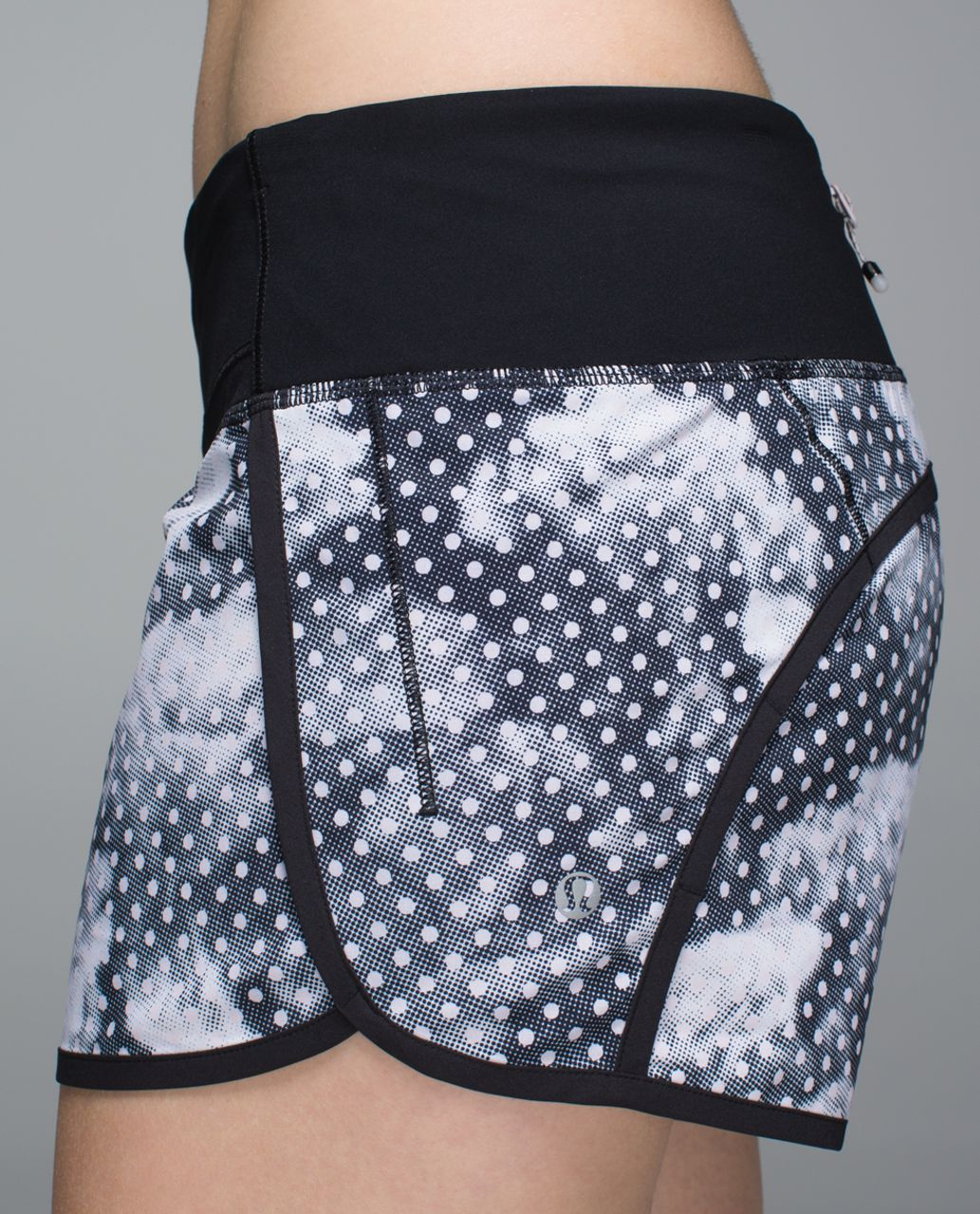 Lululemon Run Times Short *4-way Stretch - Dottie Dream Rose Neutral Blush Black / Black