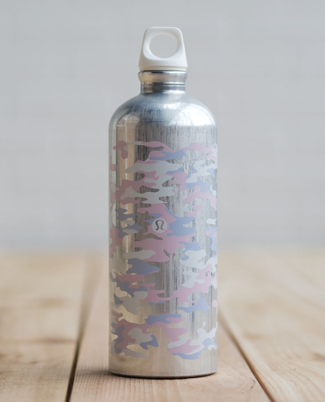 Lululemon Sigg 1L Water Bottle - Hide And Seek Camo Neutral Blush Early Blue