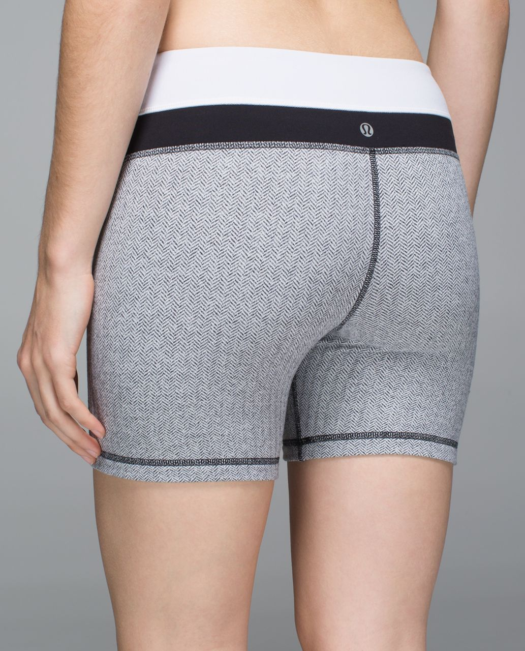Lululemon Groove Short (Regular) - Heathered Herringbone Heathered Black White / Black / White